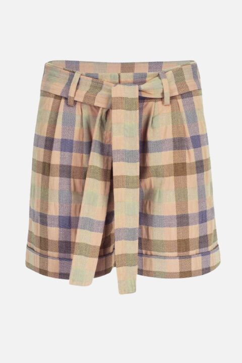 Shorts with front pleats