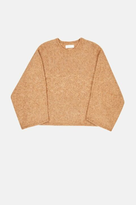 Wide sleeved pullover