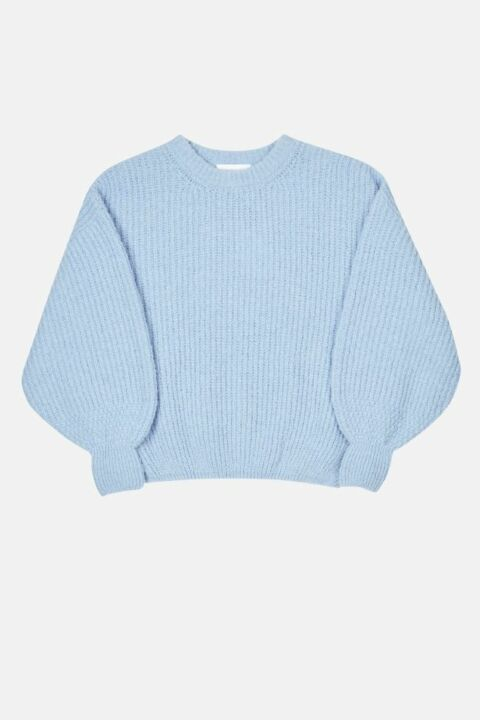 Ribbed knit with volume sleeve