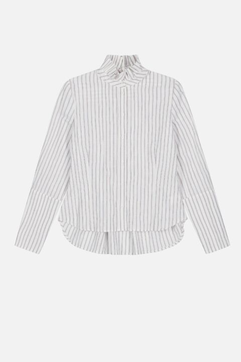 Shirt with victorian collar