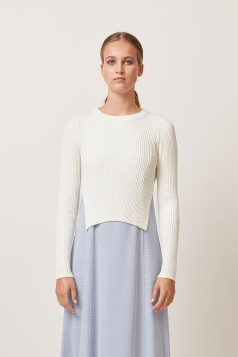 Cropped knit with side slits
